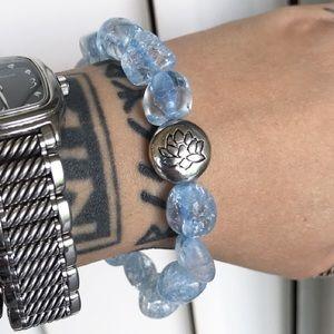 🔴SALE ! baby blue crackle quartz lotus bracelet